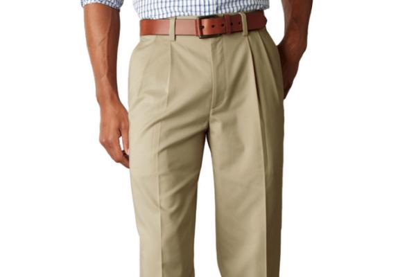 Мужские брюки с защипами — неотъемлемая часть деловых костюмов.