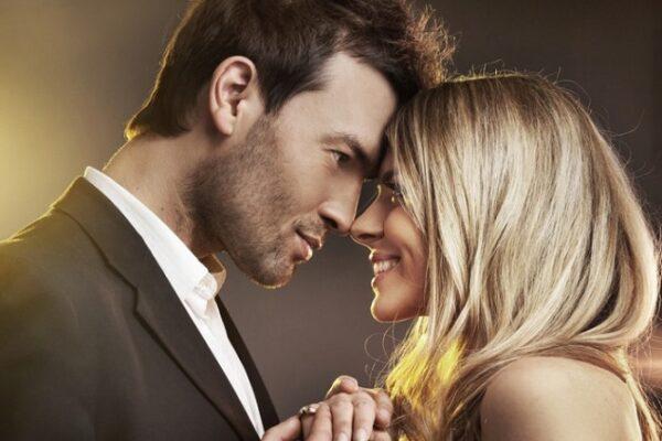 Мужчины ценят в женщинах красоту, женщины в мужчинах — честность.