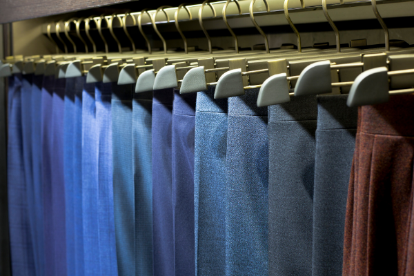 Классические мужские брюки: модели и расцветки.